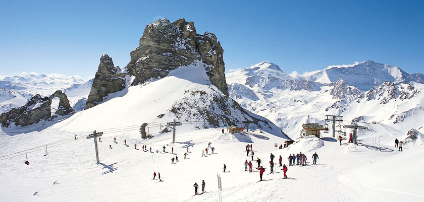 France_Espace-killy-ski-area_Tignes_panorama-piste.jpg